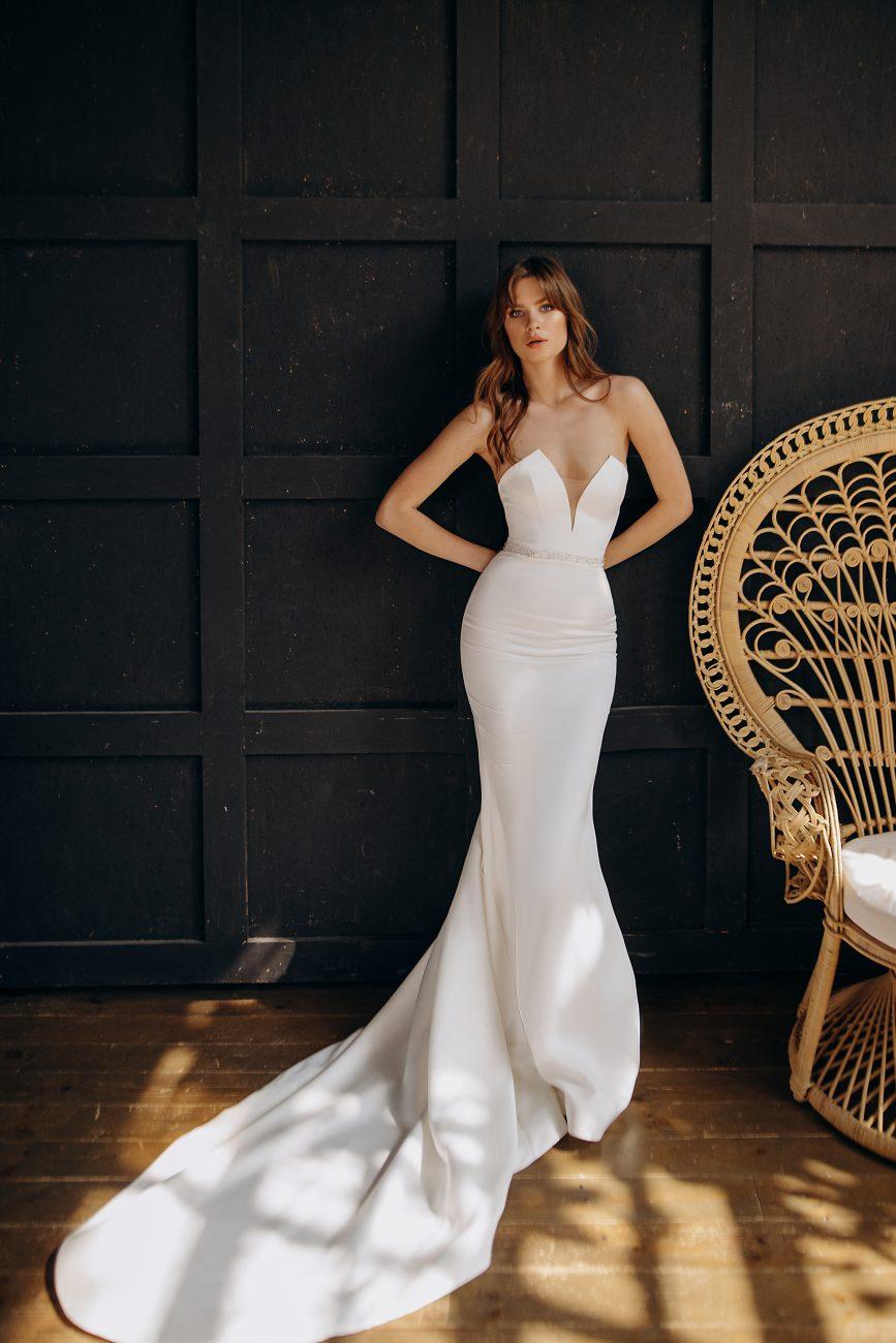 gładka suknia slubna